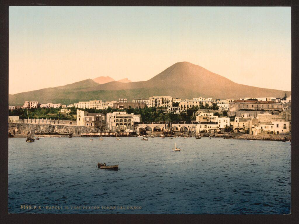 Mount_Vesuvius,_with_Torre_de_Creco_(i.e._Torre_del_Greco),_Naples,_Italy-LCCN2001700904