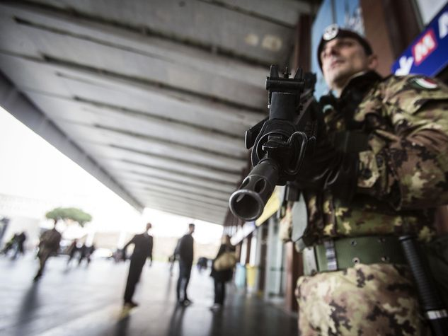 Militari-esercito_o_su_horizontal_fixed[1]